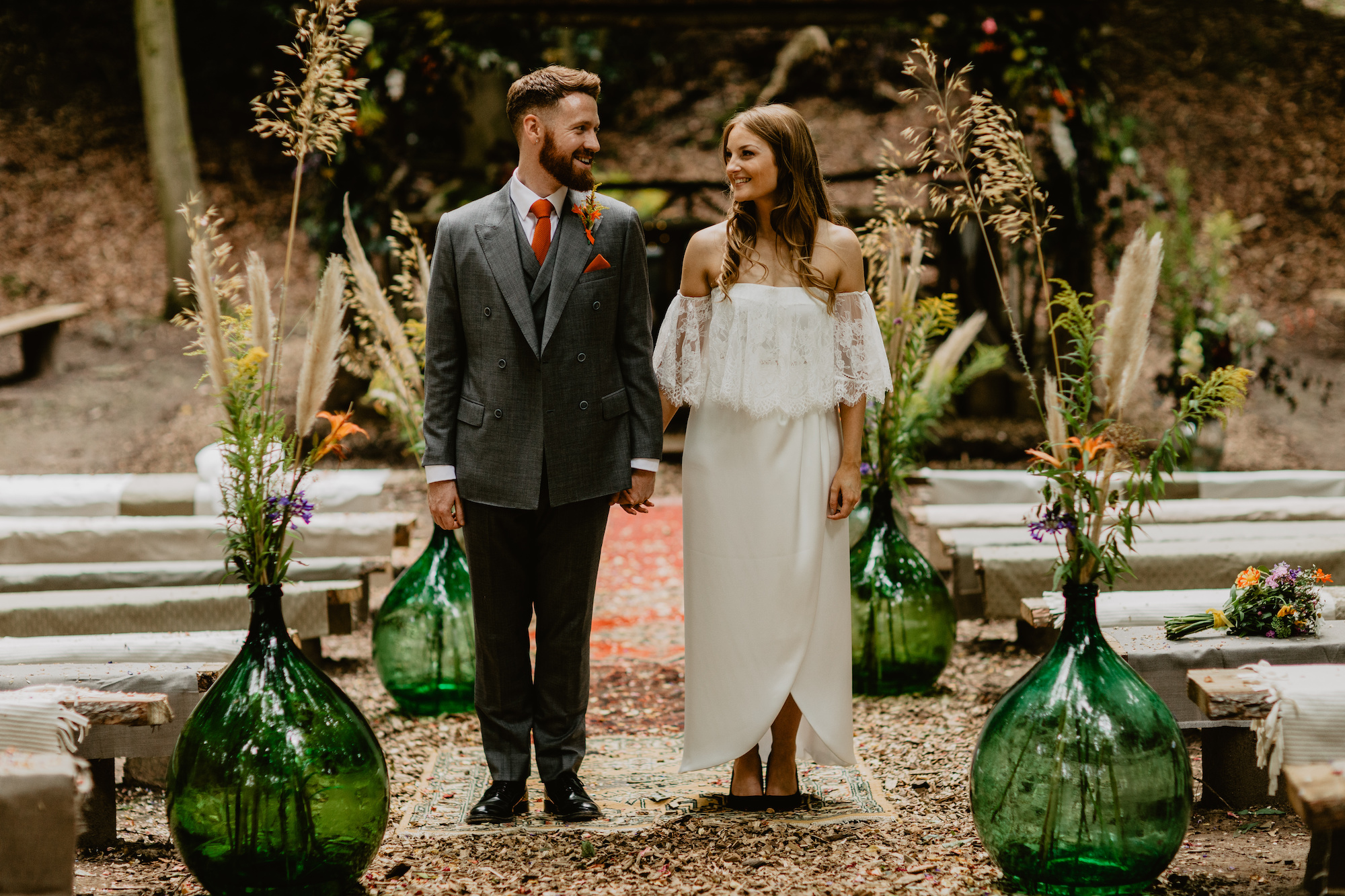 woodland wedding couple